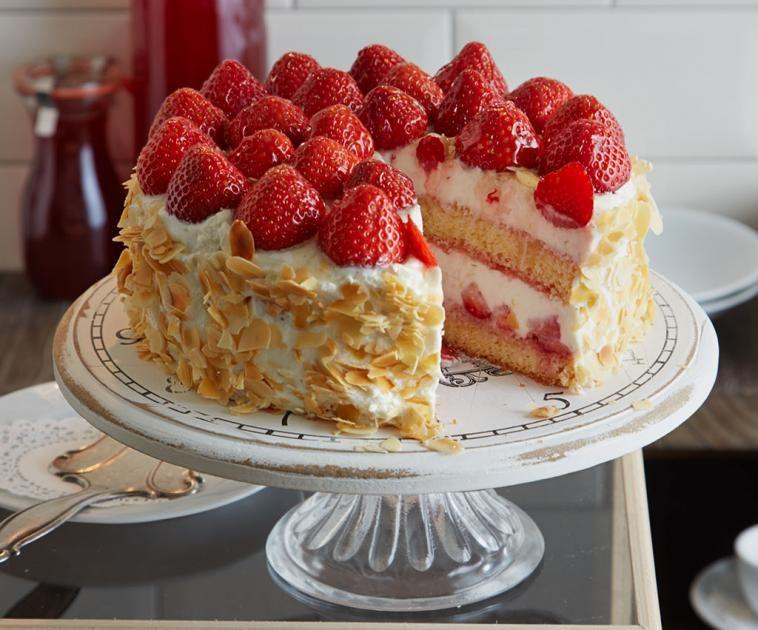 Erdbeer Ricotta Torte Rezept Essen Und Trinken Erdbeer Raffaello Torte