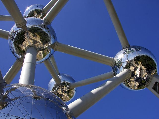 Atomium Brussel  by rondendikken, via Flickr