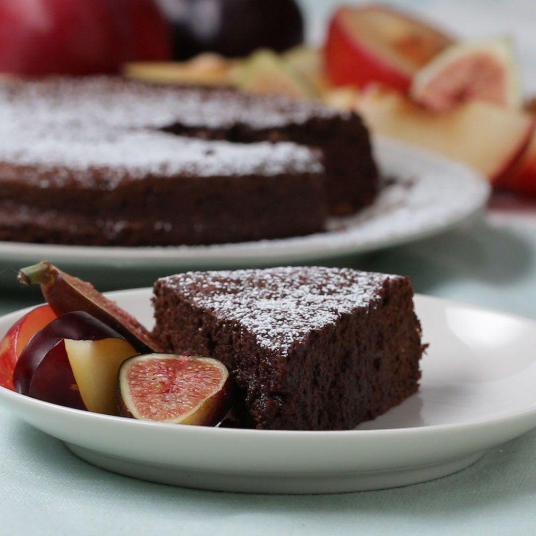 材料2つだけ!簡単チョコレートケーキ
