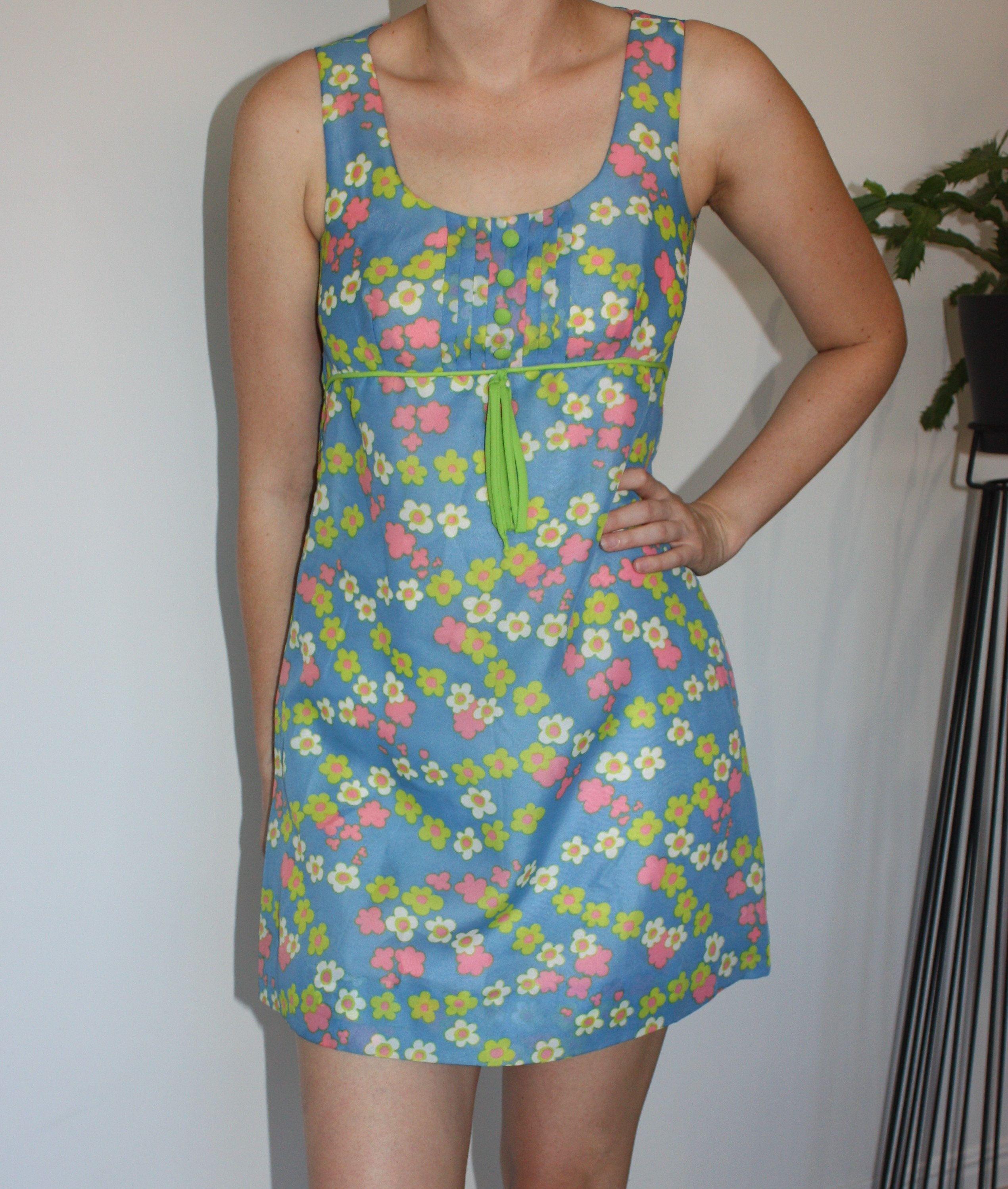 Vintage 60s Dress Retro Mini Dress Floral 60s Shift Dress Women S Size S Vintage Shift Dress Vintage Dress 60s Womens Shift Dresses Vintage Shift Dress [ 2997 x 2541 Pixel ]