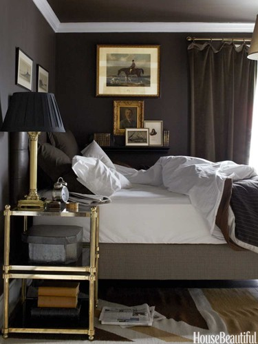 Dark Bedroom Make Your #Bedroom Stand Out. Give It A Nice Color, Curtains