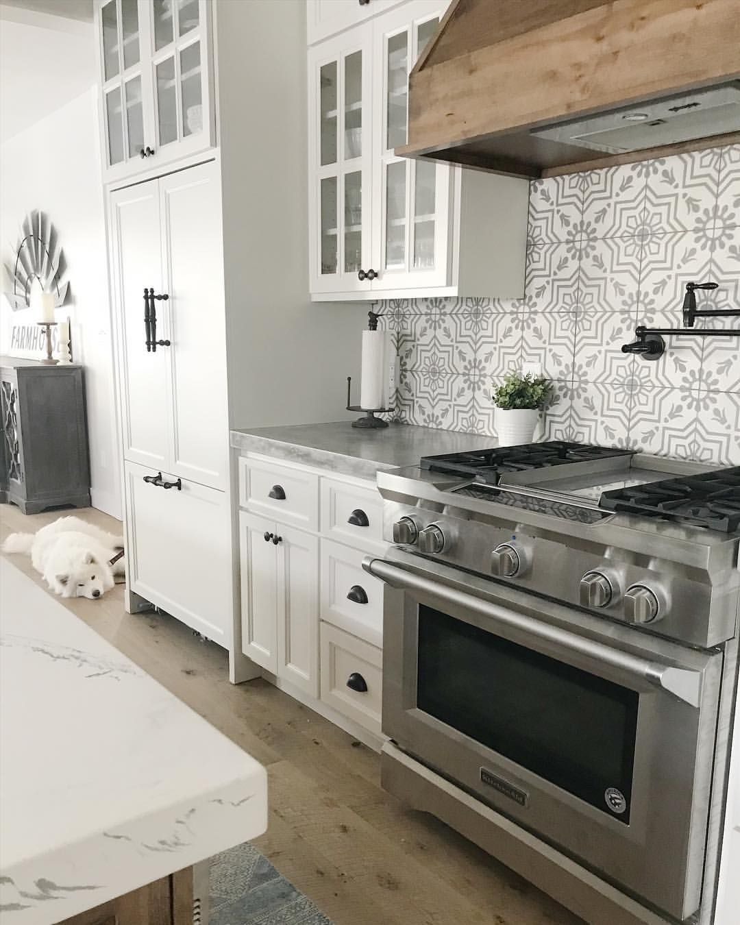 Wood Tile Kitchen Backsplash: Amazing Cement Tile Backsplash And Wood Range Hood