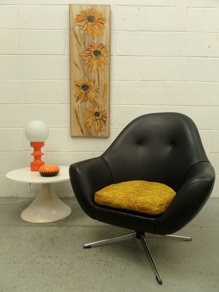 mid century 60s 70s retro vintage swivel egg bucket armchair chair panton era in home