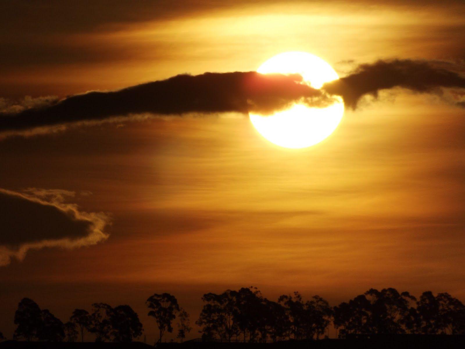 http://fotografiasferrarezi.blogspot.com/2012/11/por-do-sol-do-dia-19112012.html