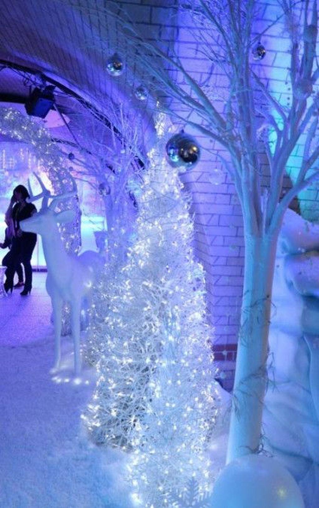 42 Beautiful Winter Wonderland Lighting Ideas For Outdoor And Indoor Decor Homyhomee Winter Wonderland Christmas Party Winter Wonderland Christmas Winter Wonderland Decorations