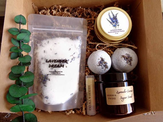 Self care kit Bath gift set Pamper gift Mom spa gift