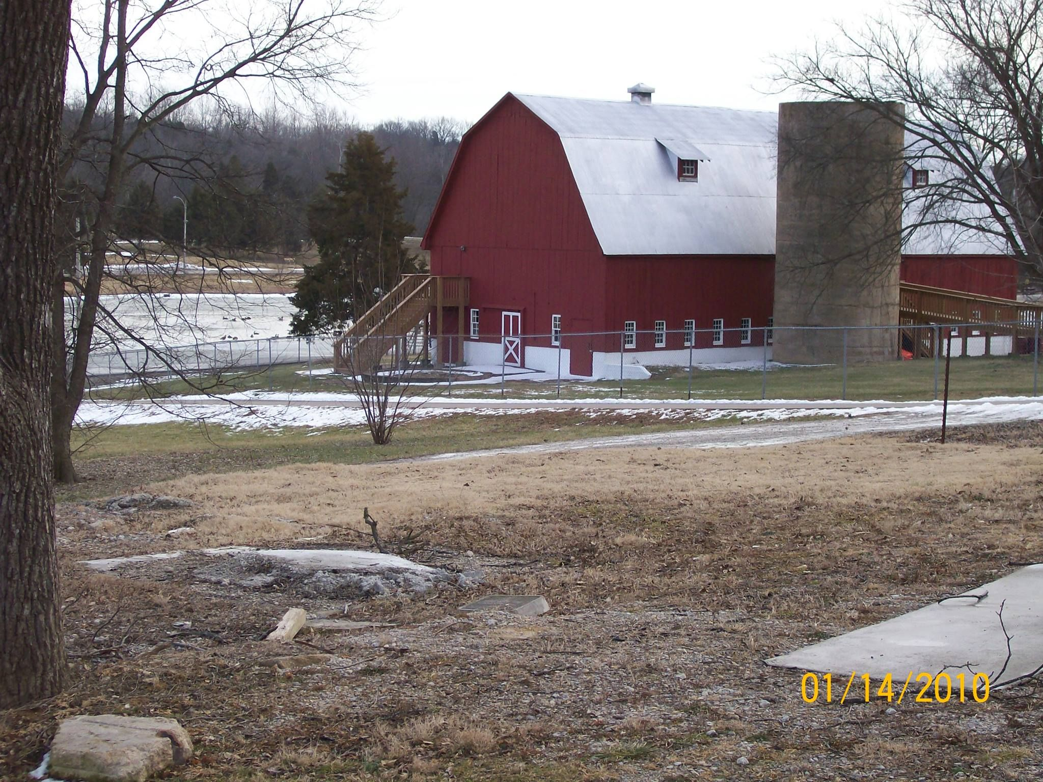Peterein Dairy Barn, Festus, MO | Jefferson county ...