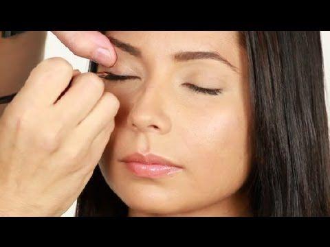 Tips para usar un delineador líquido : Técnicas de maquillaje con Luis Casco
