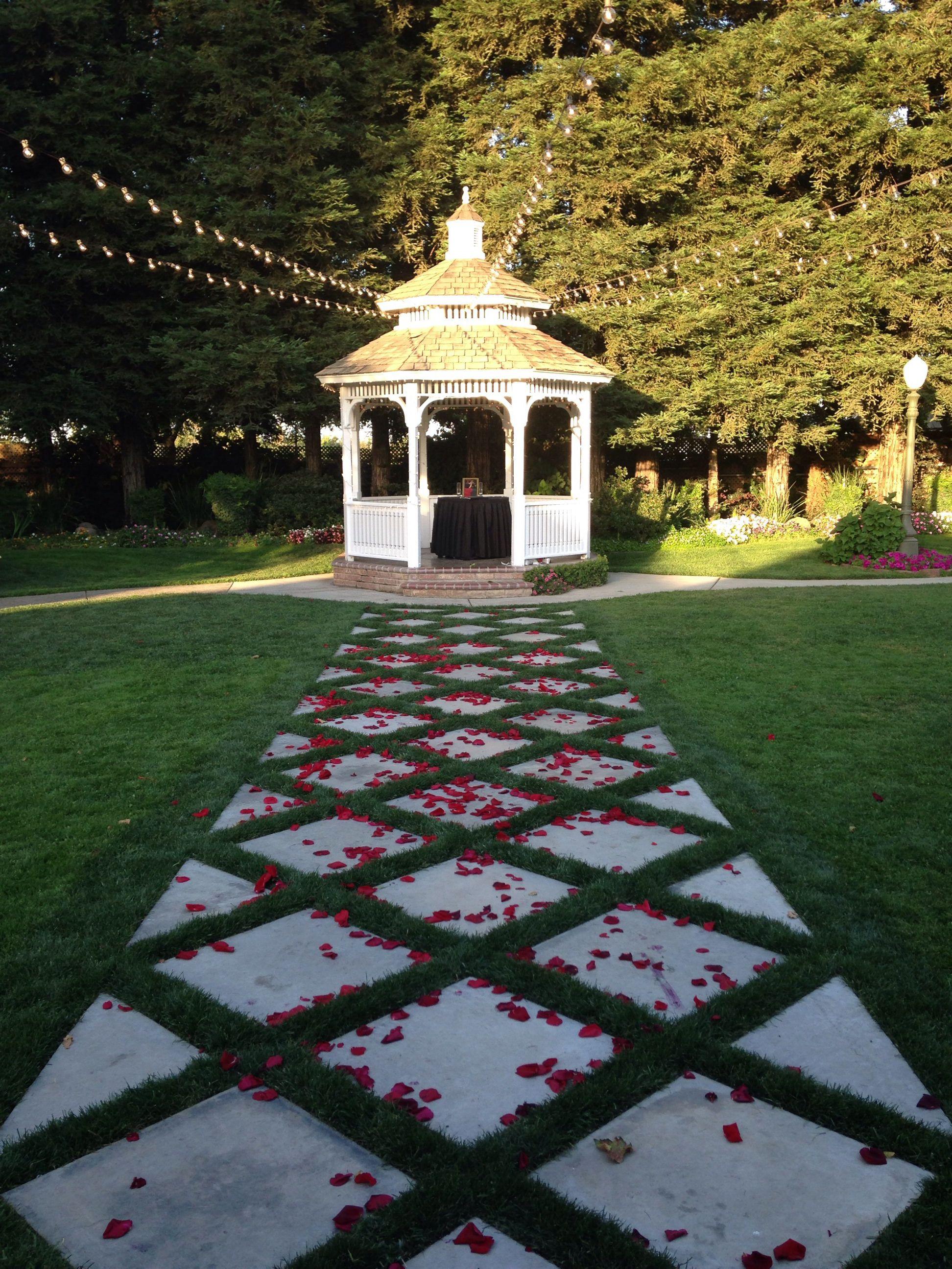 Vintage Gardens Modesto Ca Wedding Outdoor Garden Outdoor Wedding Venues Outdoor Wedding Wedding Venues