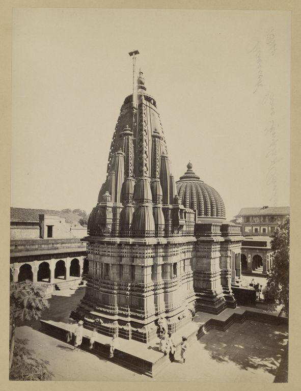 Nassick. Kala Rama Temple; Francis Frith (English, 1822 - 1898); Nassick, India; about 1865 - 1875; Albumen silver print; 21 x 15.8 cm (8 1/4 x 6 1/4 in.); 84.XM.1419.2; J. Paul Getty Museum, Los Angeles, California