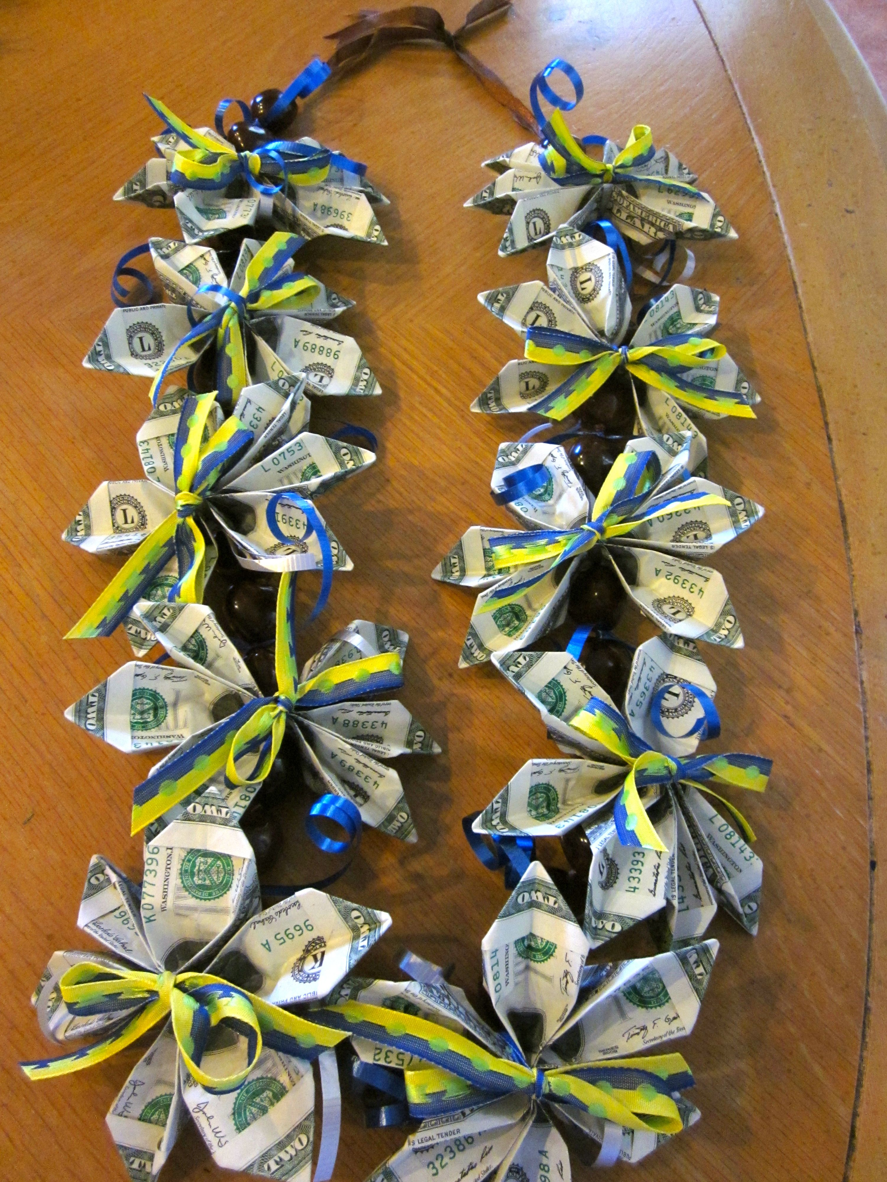 how to make graduation leis with flowers