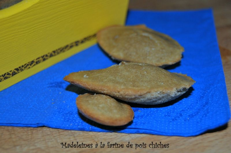 Madeleines à la farine de pois chiches