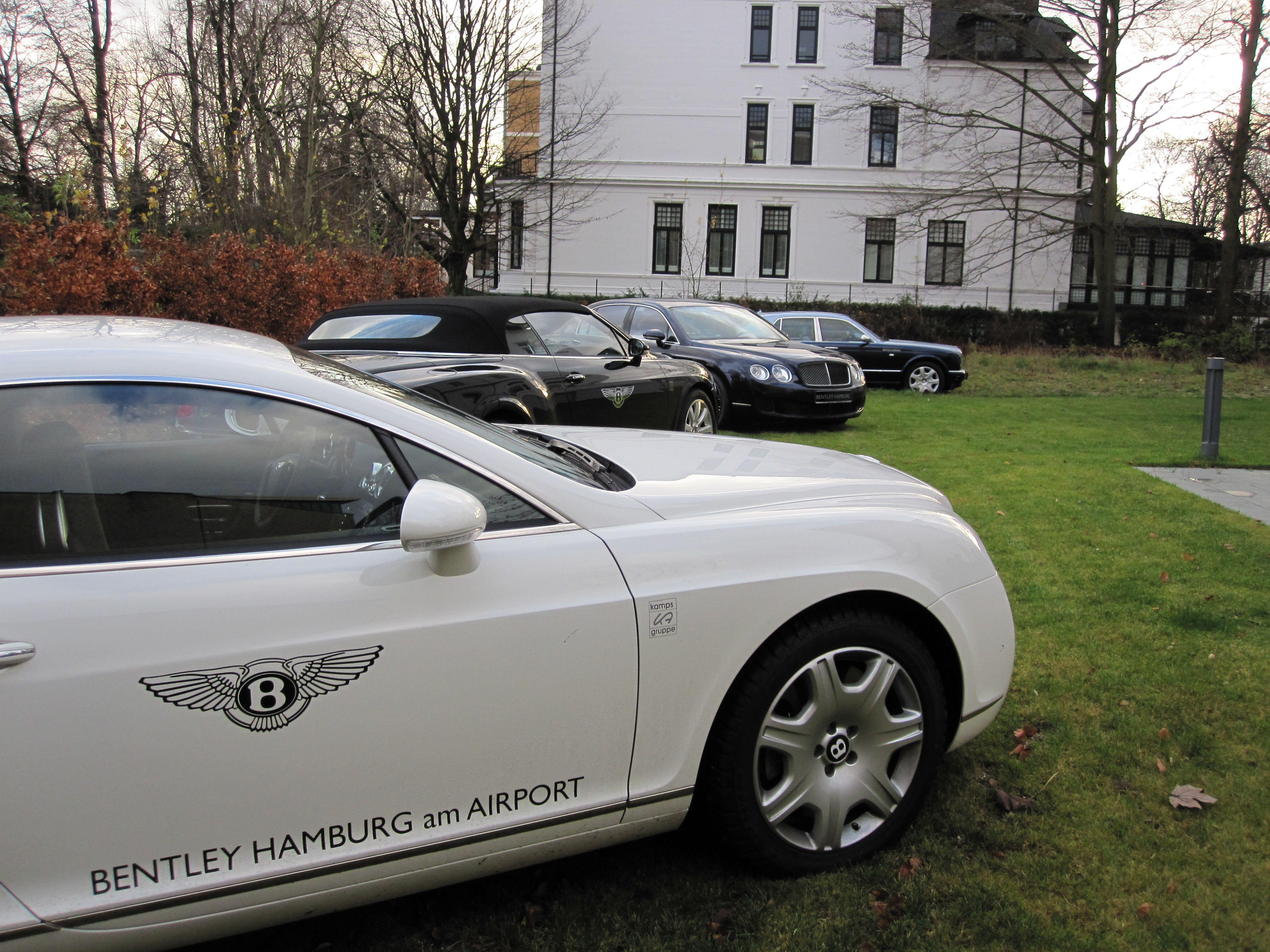 Bentley and finum at Sophienterasse Hamburg