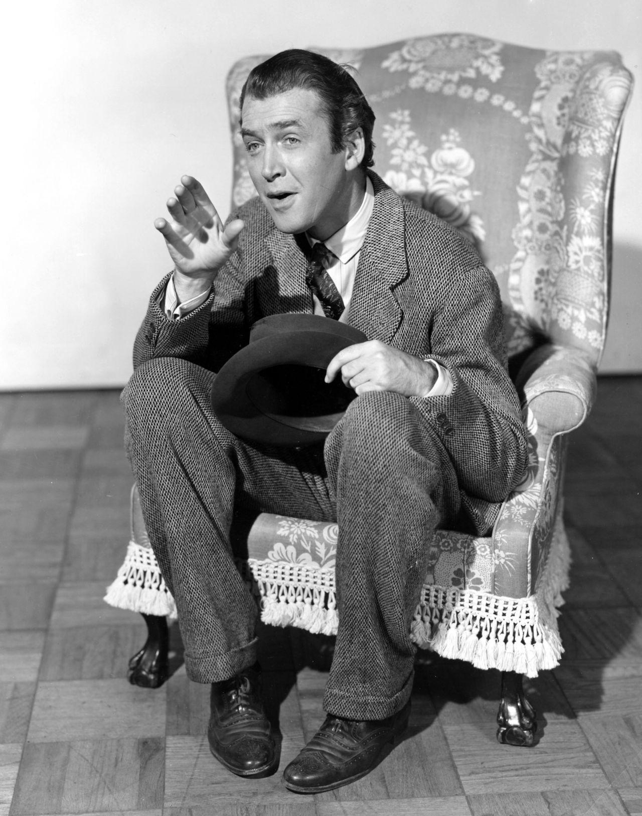 "Jimmy Stewart for ""Harvey"" (1950) | Classic movie stars ..."