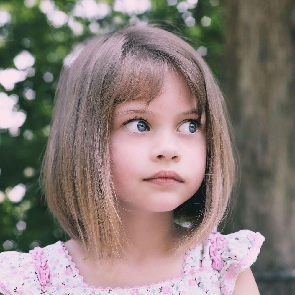 Carre Plongeant Petite Fille Pour Vous Epargner Les Seanses De Demelage Coupes De Cheveux Pour Enfants Coupe Cheveux Petite Fille Carre Plongeant Frange