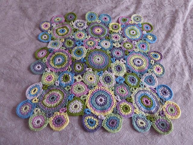 Kissing Circles Crochet Blankets Pattern By Amanda Perkins Crochet