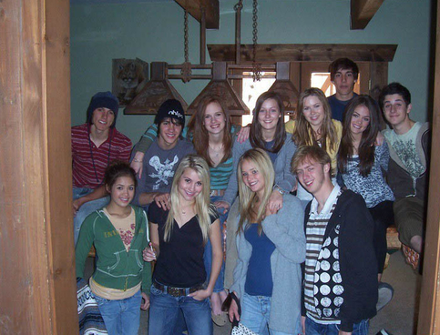 how crazy is this? Nicole Anderson, Chelsea Kane, David Henrie, Lucy Hale, Jennifer Lawrence and some others all as little ones