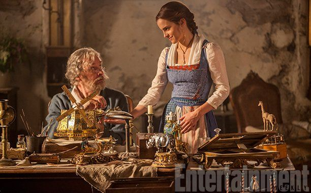 "Entertainment Weekly on Twitter: ""Exclusive: Kevin Kline and @EmWatson are a fairy tale family in #BeautyAndTheBeast photo: https://t.co/u6zOu3UfQf 🙌 https://t.co/QCk4yuVCqj"""