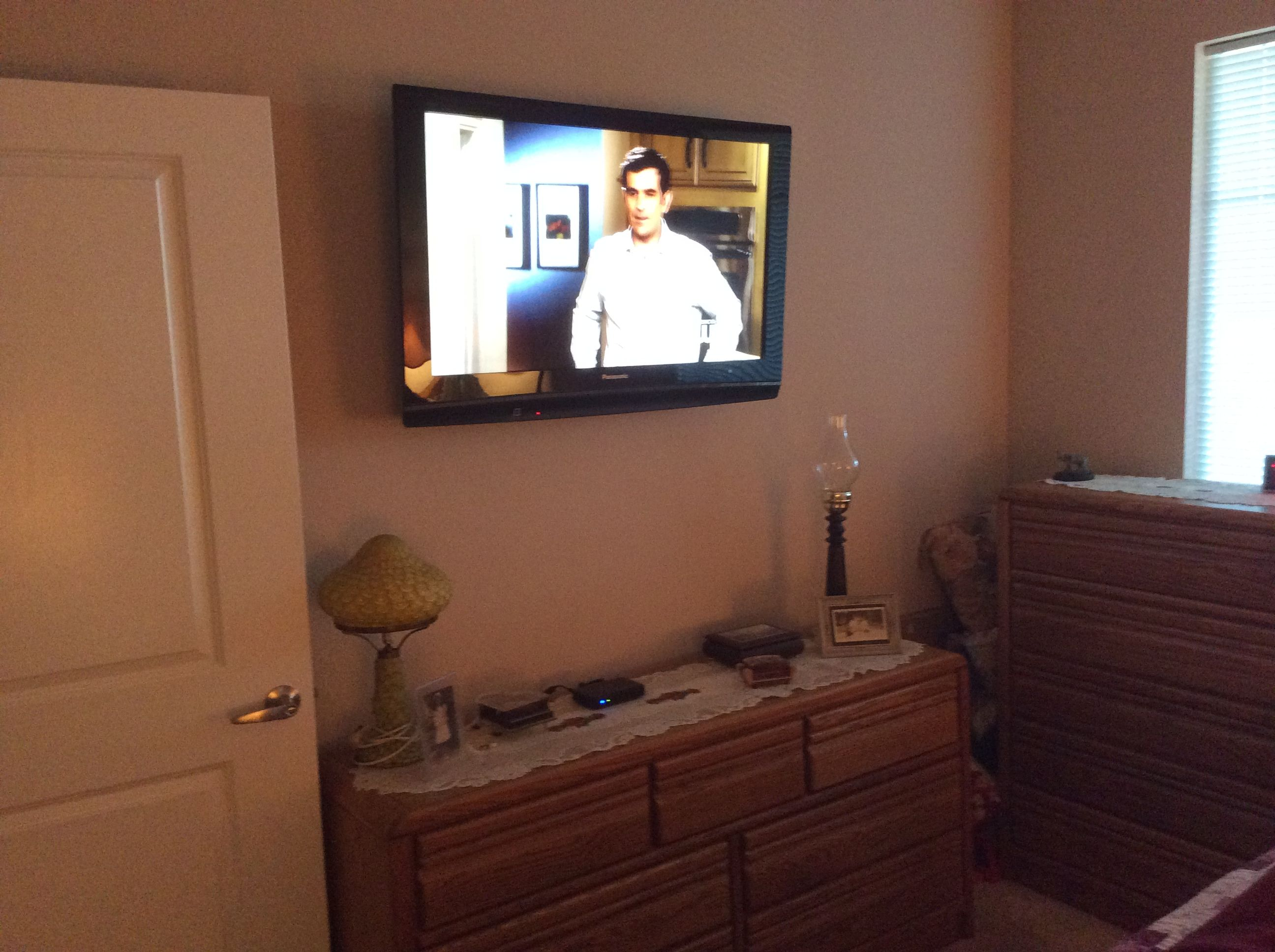 bedroom tv with no wires showing makes for more