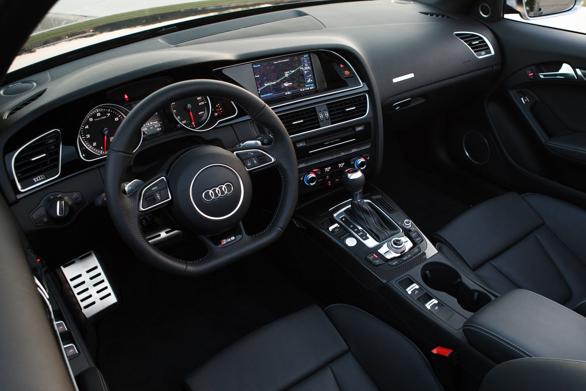 pictures audi rs5 inside | 2013 Audi RS5 Cabriolet front interior 14 ...