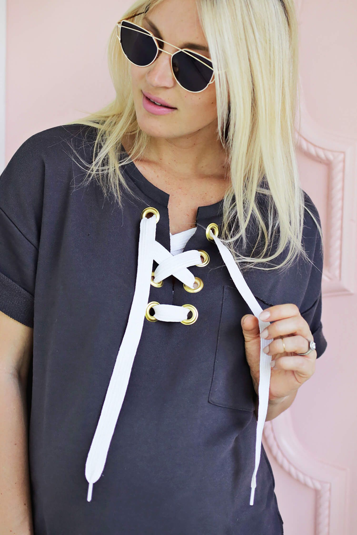 DIY: lace up sweatshirt | Craft & DIY | Pinterest