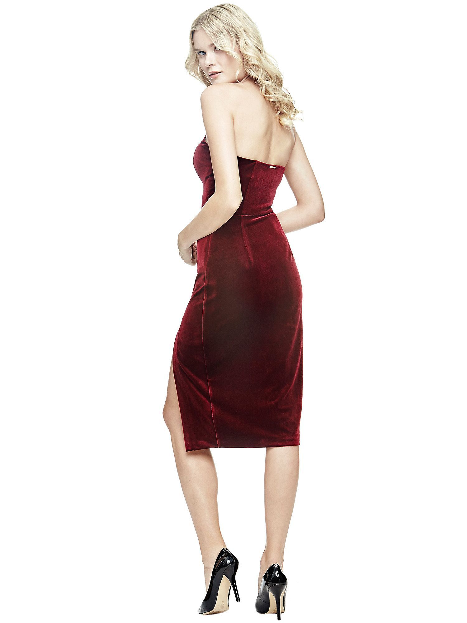 The perfect way to show off a shapely figure? This slim-fit, velvet-look dress with slender straps, close-fitting bodice and split detail at the front