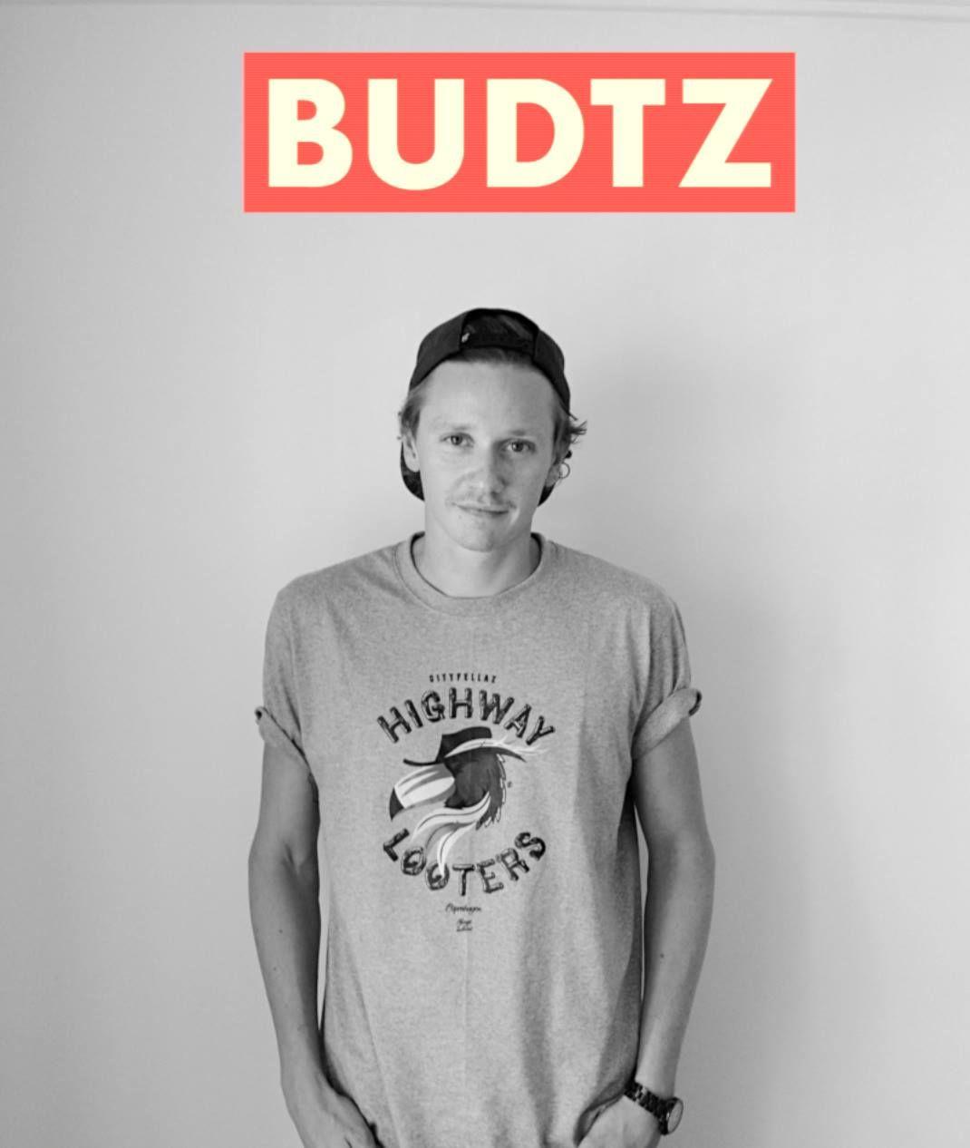 Vi er klar med endnu en interessant københavnersnude, nemlig sanger og sangskriver Christoffer Budtz - eller bare BUDTZ, som han kalder sig i øjeblikket. Han har nemlig startet et nyt…