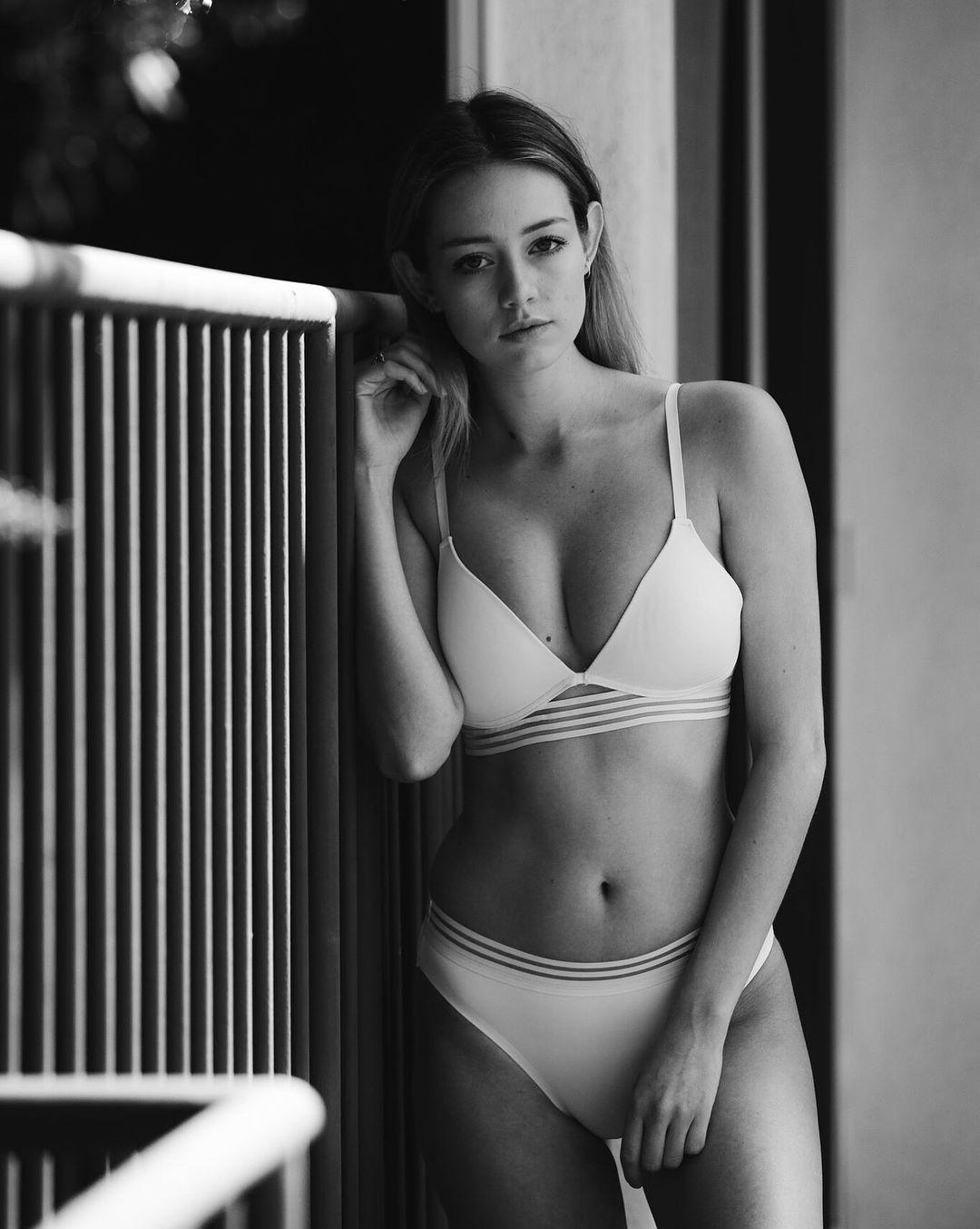Dagny Paige Nude Photos 70