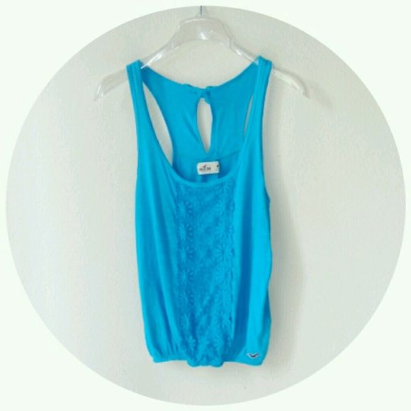 Hollister Tank Tank with lace floral detail along the front and adorable bow on back! Hollister Tops Tank Tops