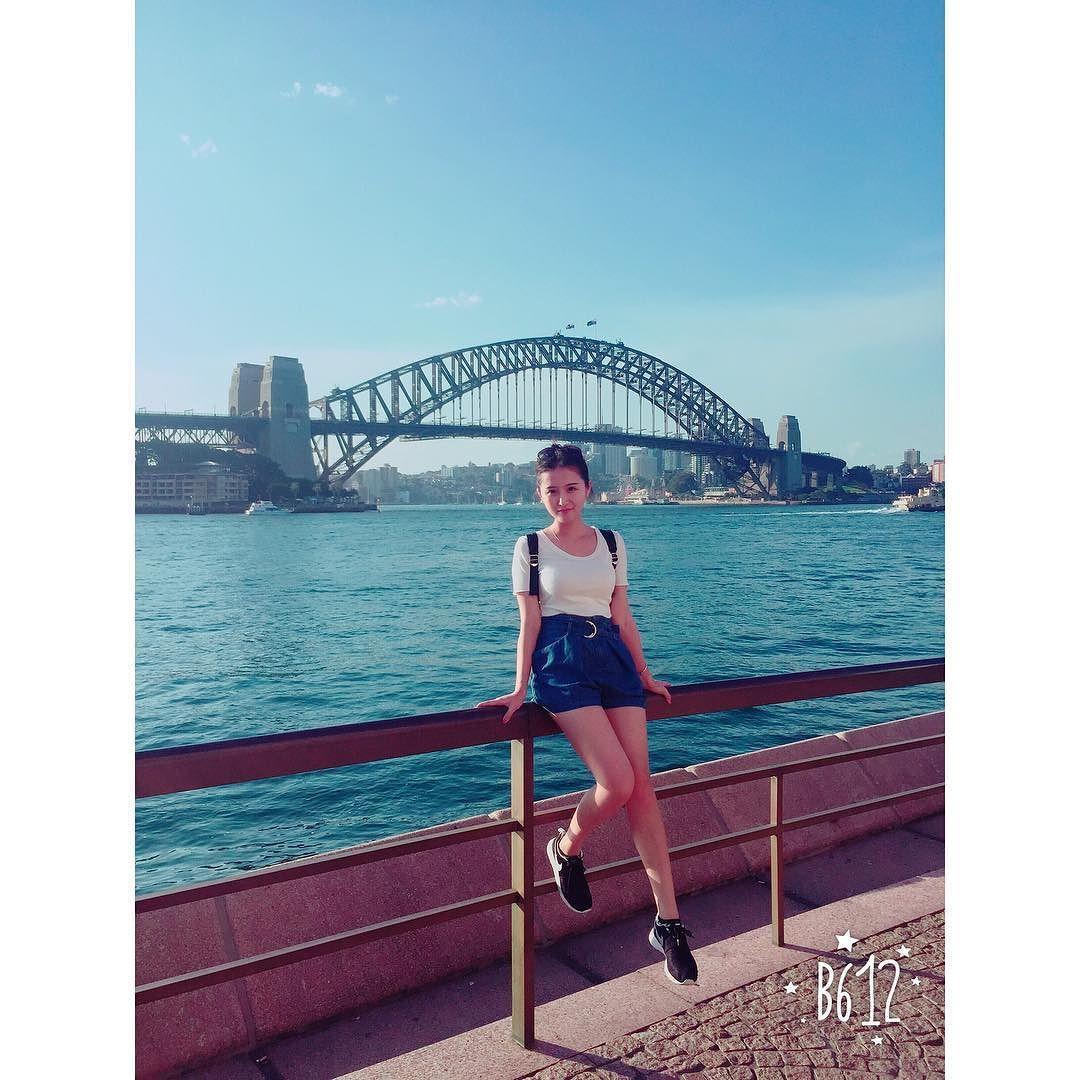 #Sydney #Australia #commonweek #sydneyharbourbridge #sydneyharbour #sydneyblogger 我总是微笑的看着你 我的情意总是轻易就洋溢眼底 by xwanziii http://ift.tt/1NRMbNv
