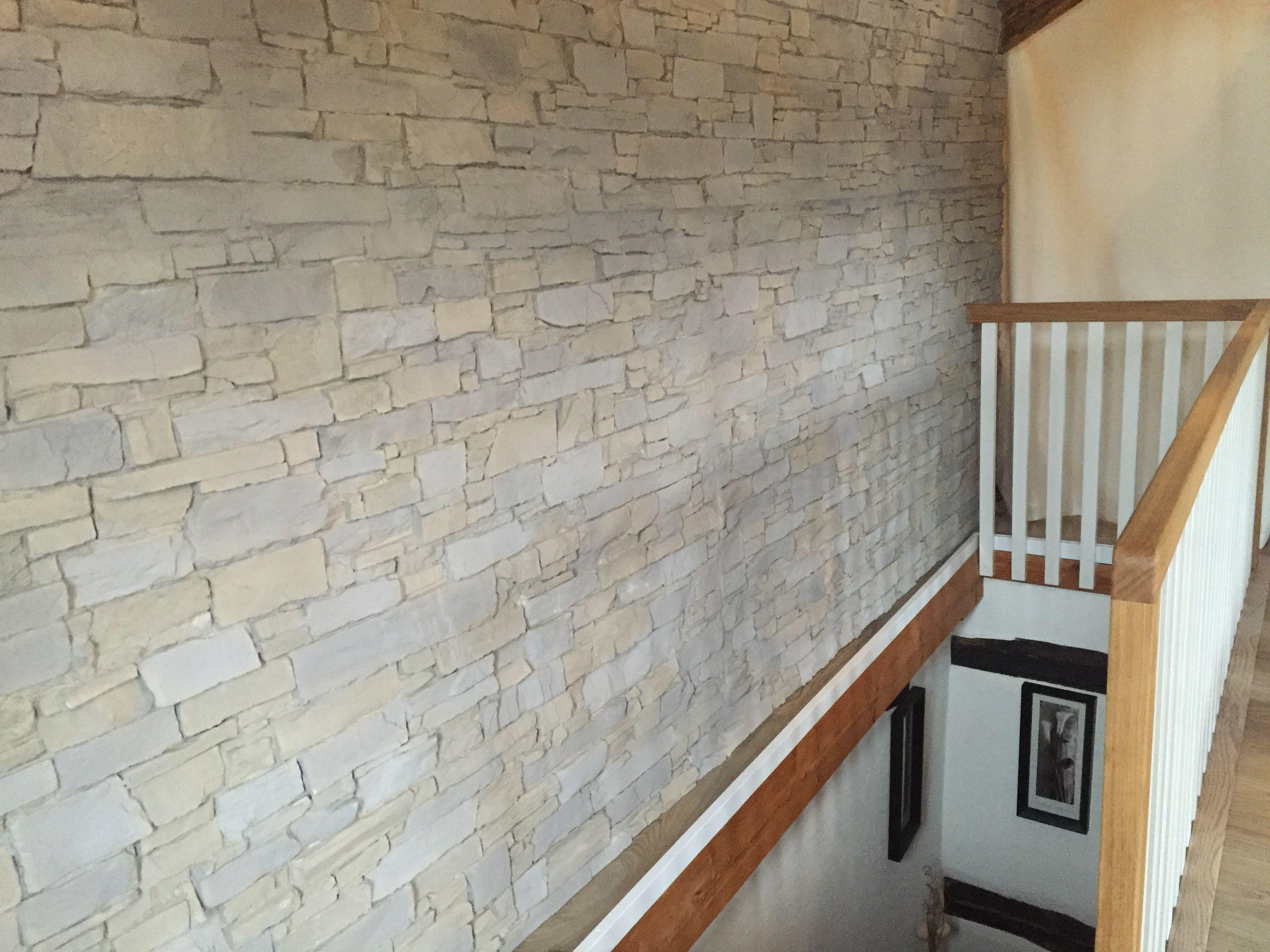 Finde sen Pin und vieles mehr auf Treppenhaus mit Steinoptik von ambientestones