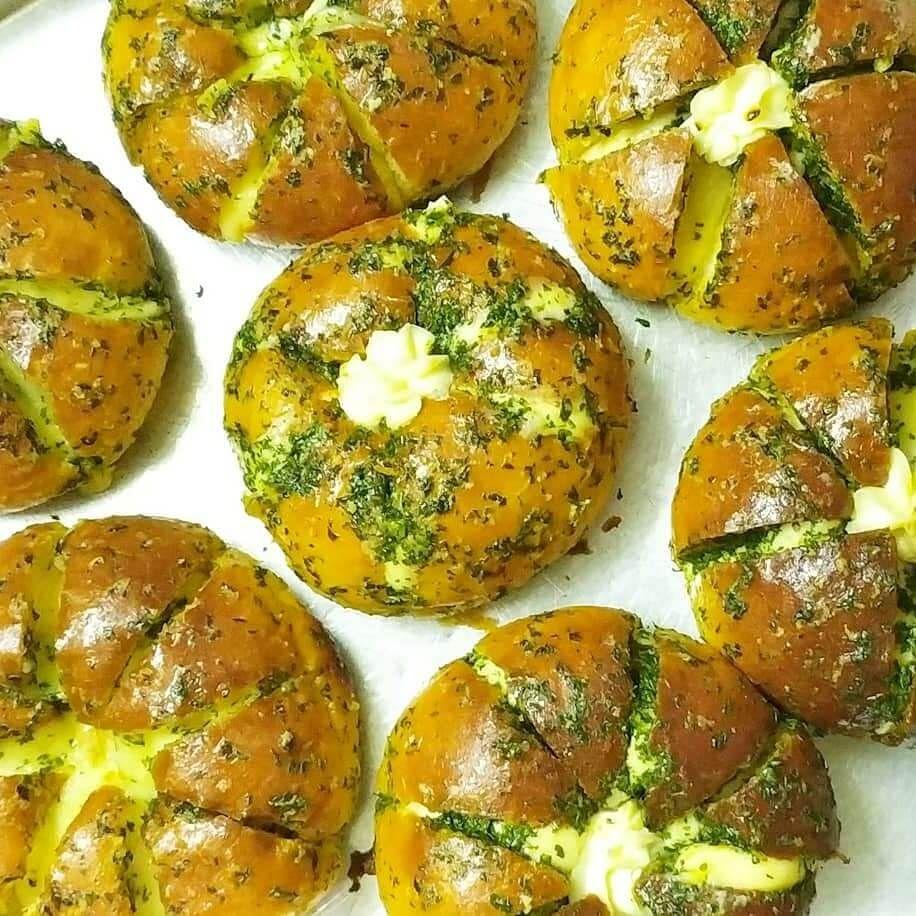 Resep Korean Garlic Bread Enak Gurih Dan Empuk Lin S Cakes Resep Roti Pisang Resep Makanan