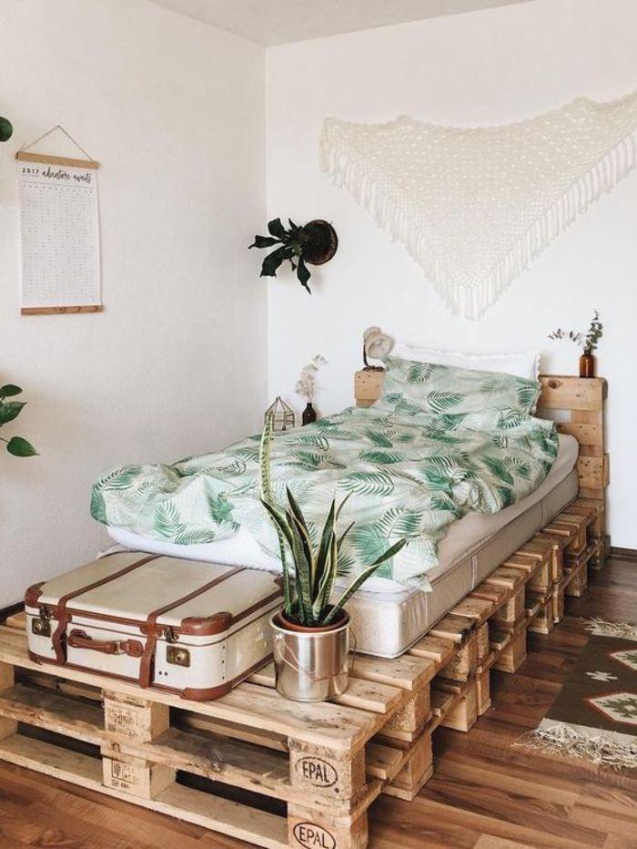 1001+ idées comment fabriquer un lit avec des palettes | Lit en palette, Mobilier de salon, Deco ...
