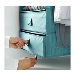 Hjælper dig med at organisere strømper, bælter og smykker i din kommode eller dit garderobeskab. Nem at trække ud, fordi boksen har håndtag på siden. Når du ikke bruger boksen og vil spare plads, kan du åbne lynlåsen i bunden og folde den sammen.