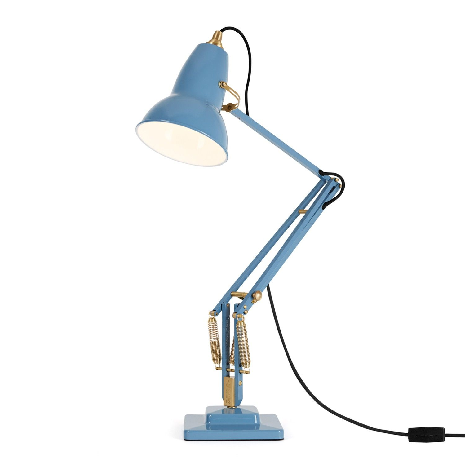 A beautiful update to an iconic piece, the Original 1227™ Brass Desk Lamp boasts rich, heritage inspired colors and authentic brass details.