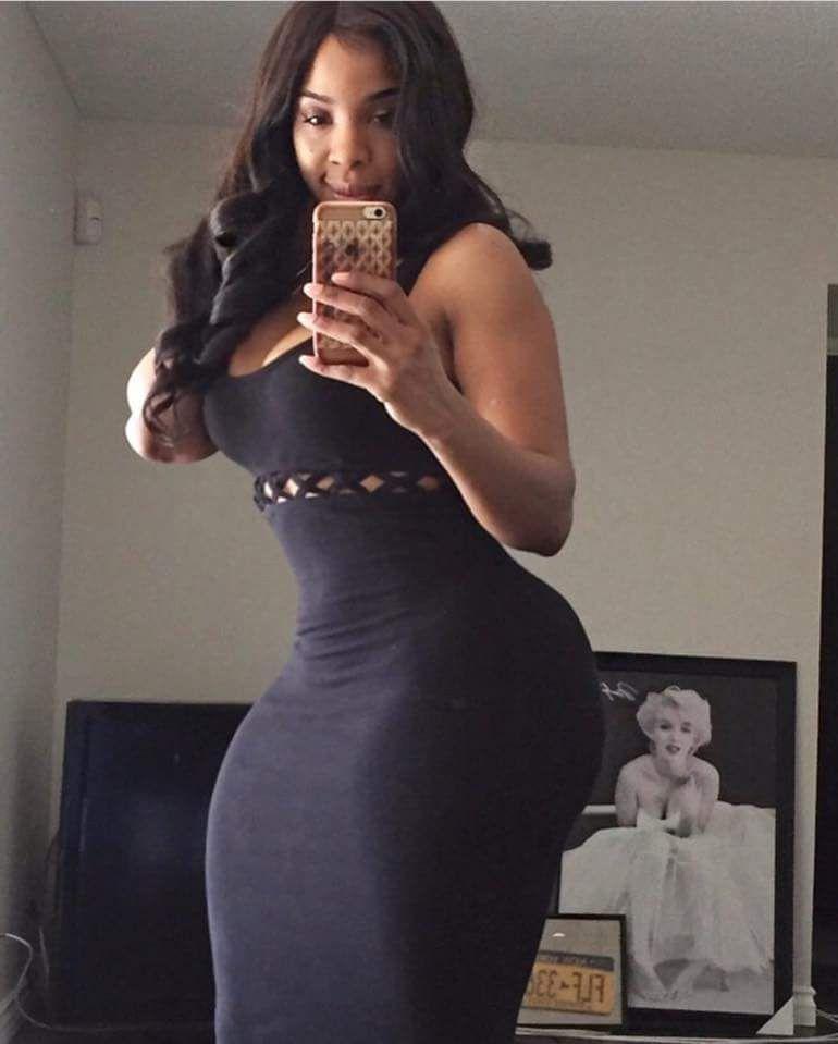 Ebony Tranny Eating Ass