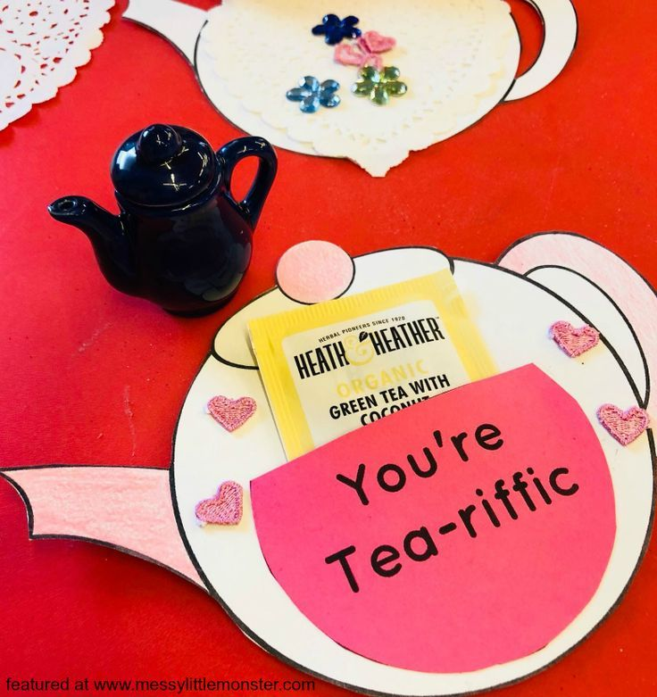 You're Tea-riffic teapot craft - FREE printable teapot template #grandparentsdaycraftsforpreschoolers