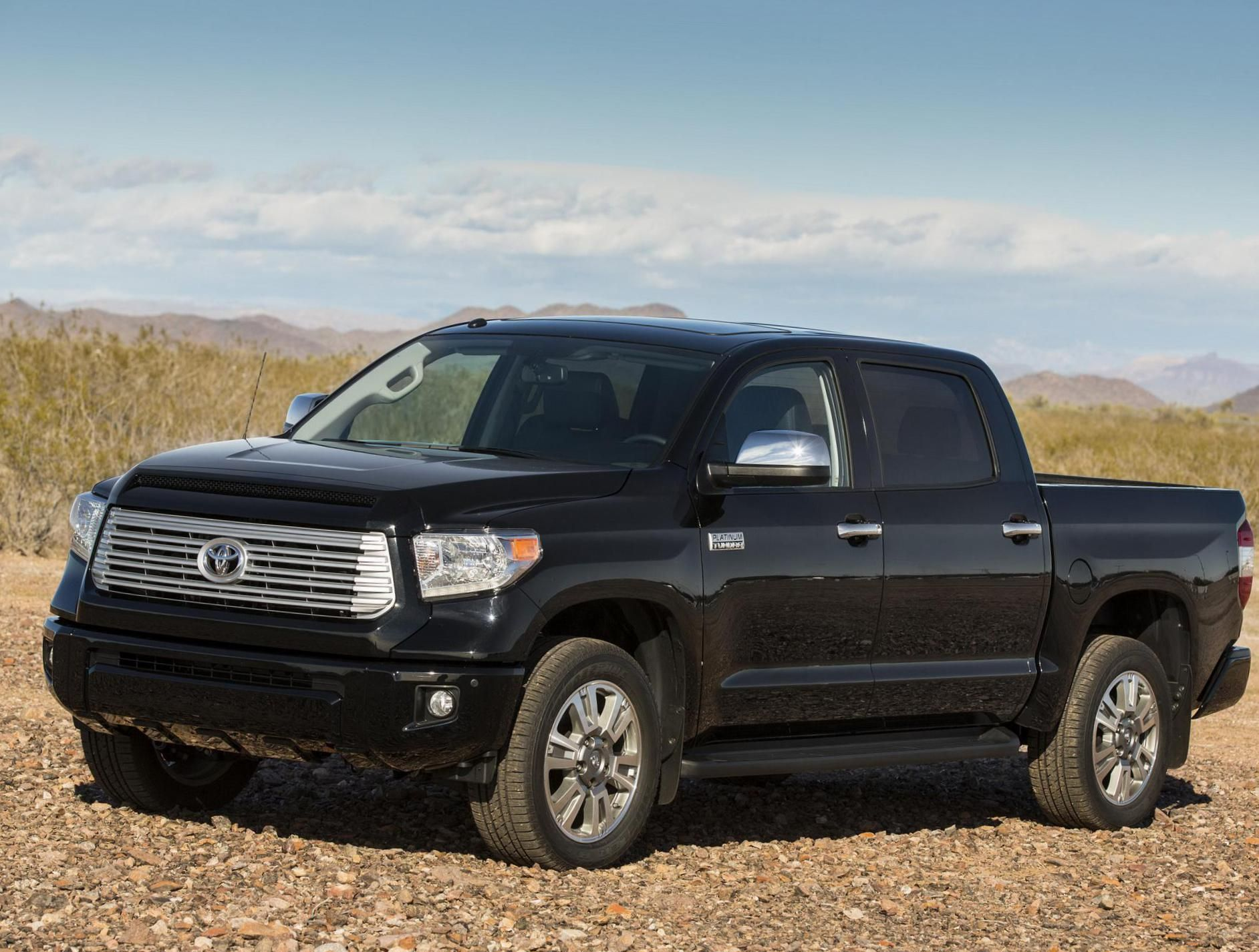 Toyota Tundra CrewMax Photos and Specs. Photo Tundra