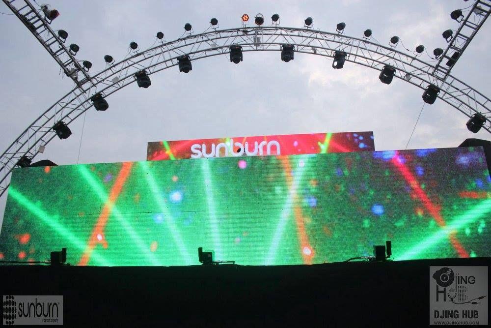 Are u Ready to get sunburnt...? Lighting Truss | Stage Truss | Aluminum Truss | Lighting Stands | Theater Trusses | DJ Trusses | Truss Corners | Light Stands | Circular Truss |