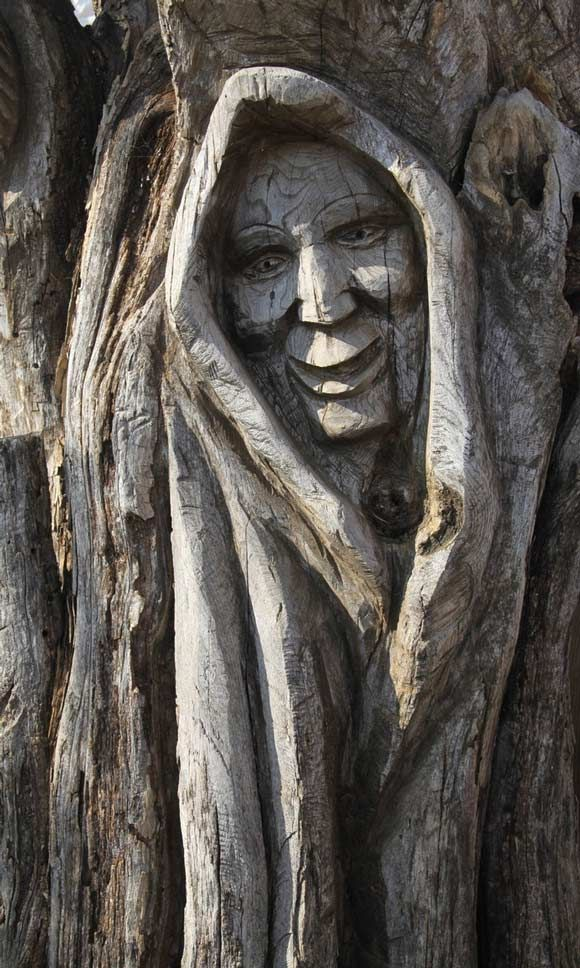 Quot face carved in tree reminds me of grandmother willow