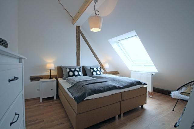 Schlafzimmer #Skandistyle #SchwarzWeiß #Dachschräge Ausbau - schlafzimmer mit schräge