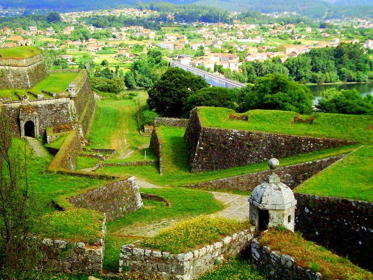 Fortaleza De Valença Do Minho Portugal Valença Pinterest - Valenca portugal map