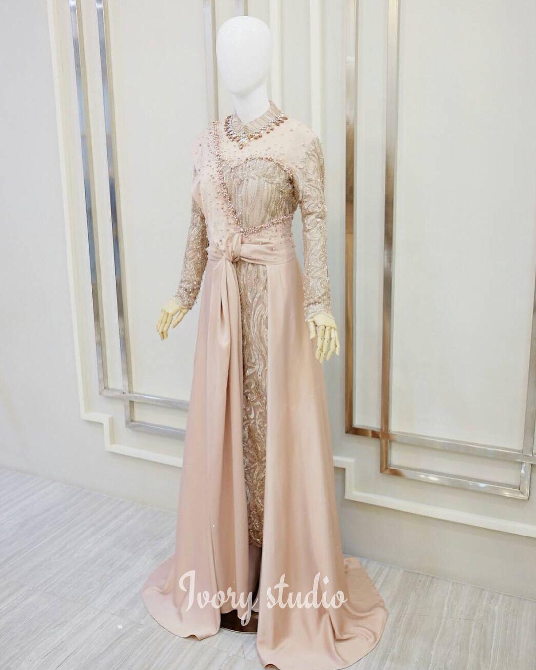 Ms Dyah custom rosegold dress ✨✨✨  Dress pesta, Muslimah