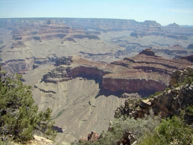Visit the Grand Canyon on a budget. - (c)Mark Kahler, under an arrangement with About.com