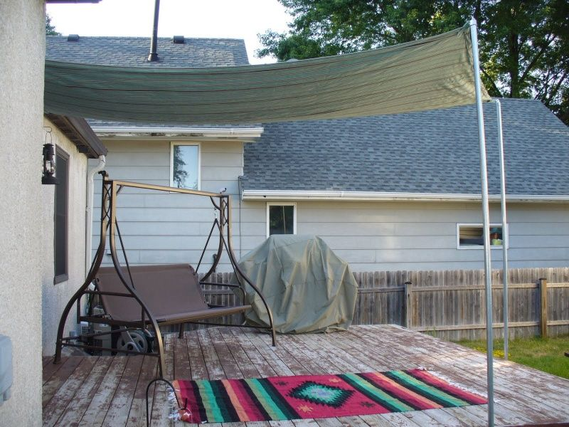 Diy sun shade ideas diy sun shade for your patio or for Small patio shade ideas
