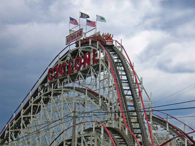 How Roller Coasters Work Rollercoasters Pinterest Roller