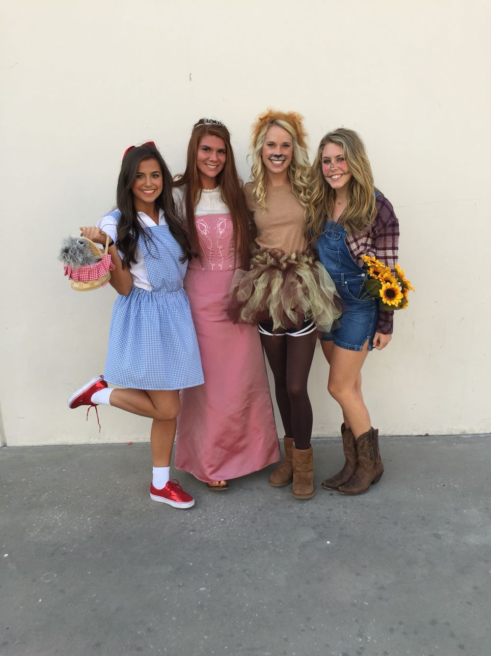 Wizard of oz Halloween group costume Cute group