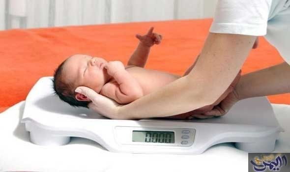 اليمن اليوم تعرفي على وزن الطفل الطبيعي عند الولادة Baby Weight Chart Baby Weight Weight Baby