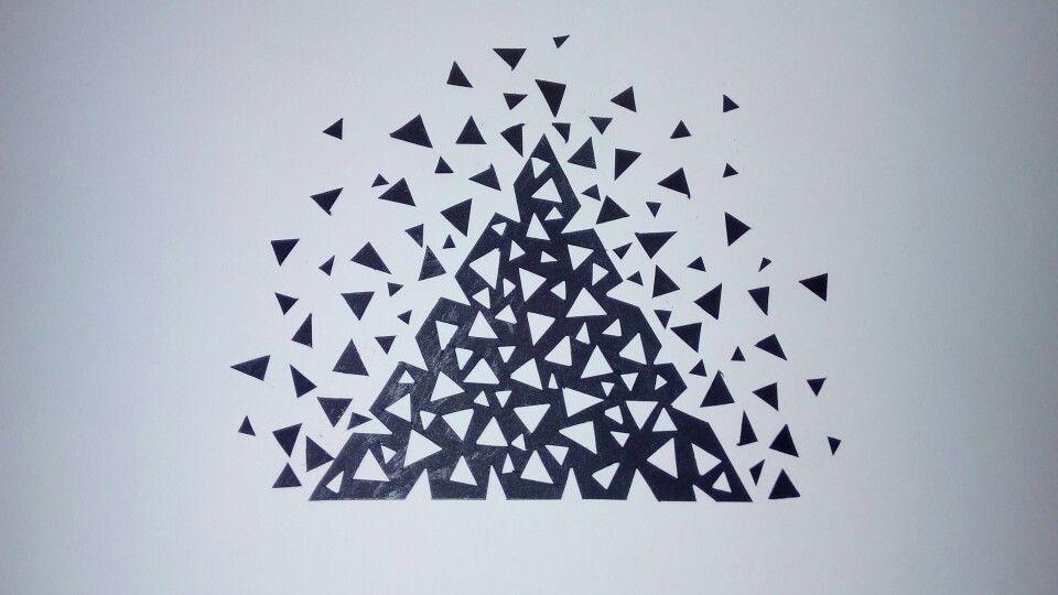 Composoción en triángulo.