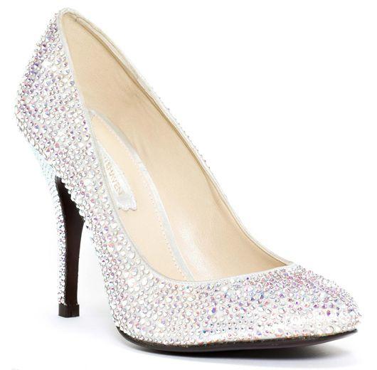 digestión borde Niños  We love… los zapatos con swarovski de Serena Whitehaven, | Bridal shoes,  Wedding shoes, Pumps